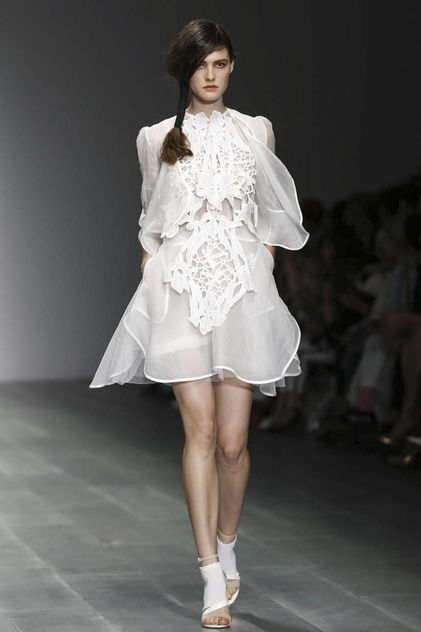 Bora Aksu Ready To Wear Spring Summer 2015 London - I like how the soft sheer fabric is juxtaposed with the strong structured material that sits over the top of the overall garment creating a feminine silhouette.