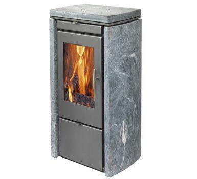 Svendsen 4 houtkachel met speksteen / Svendsen 4 wood burning stove with soapstone.