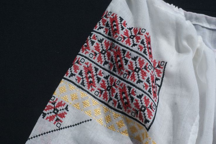 handmade-white-blouse-embroidered-red-and-green-patterns-moldova_0.jpg 1,300×870 pixels