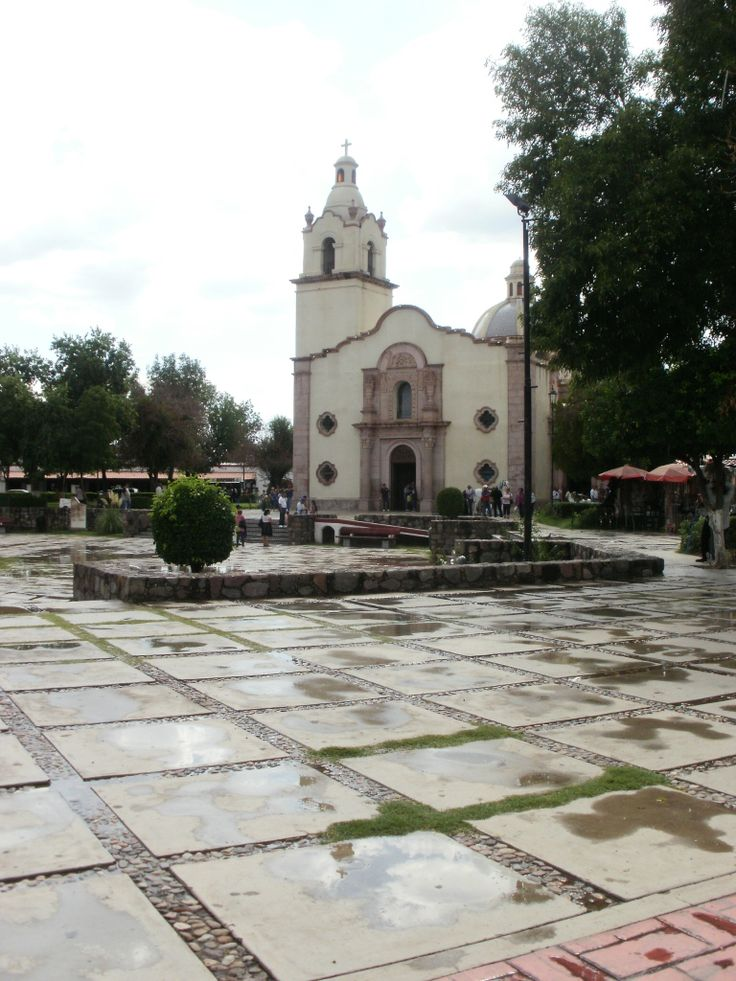 Plaza Monumental de Magdalena de Kino.