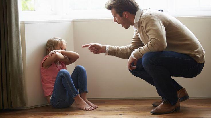 Μία άγνωστη σε πολλούς μορφή κακοποίησης που έχει όμως δύο θύματα: το παιδί και τον ψυχικά διαταραγμένο γονέα.    Με βάση τα στατιστικά στοιχεία του συλλόγου «Χαμόγελο του Παιδιού» που δημοσιοποιήθηκαν τον περασμένο Νοέμβριο, με αφορμή την Ευρωπαϊ...