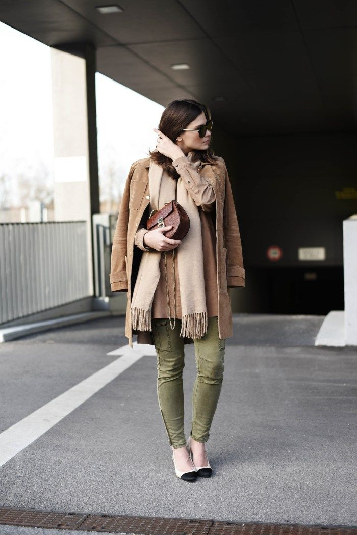 H&M: @fashiioncarpet stays down to earth with an H&M suede blouse & green cargo pants in natural tones. | H&M OOTD