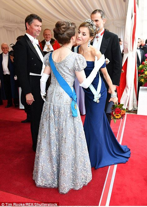 The 66-year-old Princess Royal performed an elaborate curtsy as she welcomed Queen Letizia and King Felipe to a lavish dinner atthe Guildhall in London on Thursday night.