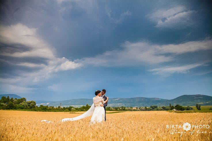 wings of love - wedding photo - www.birtaphoto.com #bestphotographer #viennaphotography #bestweddingphotography #preweddingphotovienna #wien