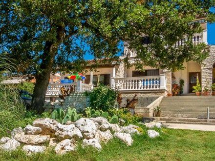 Ferienwohnung Apartment Lilium für 4 Personen  Details zur #Unterkunft unter https://www.fewoanzeigen24.com/kroatien/istarska/52203-medulin/ferienwohnung-mieten/49067:-2141222763:0:mr2.html  #Holiday #Fewoportal #Urlaub #Reisen #Medulin #Ferienwohnung #Kroatien