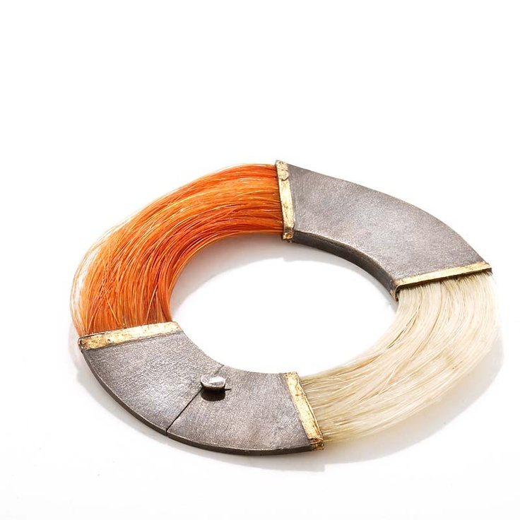 Anette Kræn, silver, gold & horsehair. See her site here: http://www.anettekraen.dk/