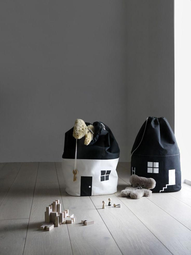 7138300362 A safe and cosy house for your toys and clothes. These large organic cotton  canvas