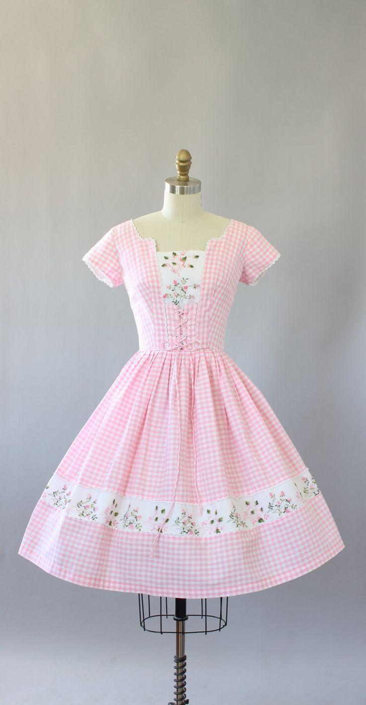Vintage 50 s licht roze pastel print katoenen jurk met korset stijl binden aan de voorzijde, erg vleiend! Zuivere stof met roze en groene