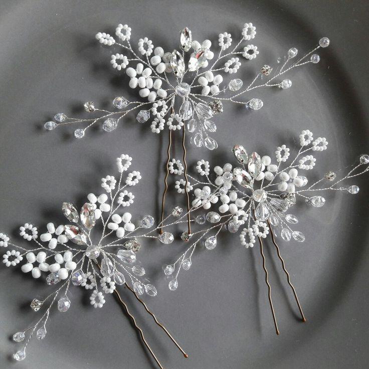 Snowflake hair piece Gypsophila wedding hair pin Babys breath heapiece White bridal hair brooch Silver hair accessory Winter hair comb Vine