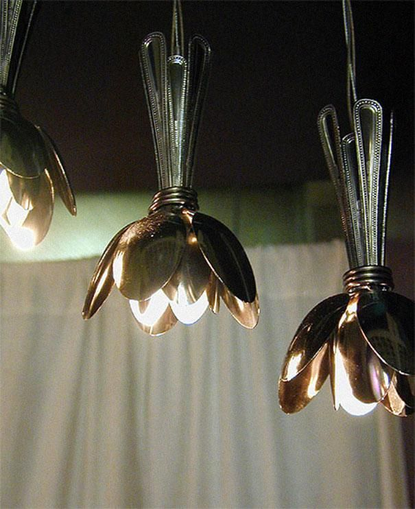 23 idees originales de recyclage de vieux objets cuillere metal lampe   23 idées originales de recyclage de vieux objets   velo valise trans...