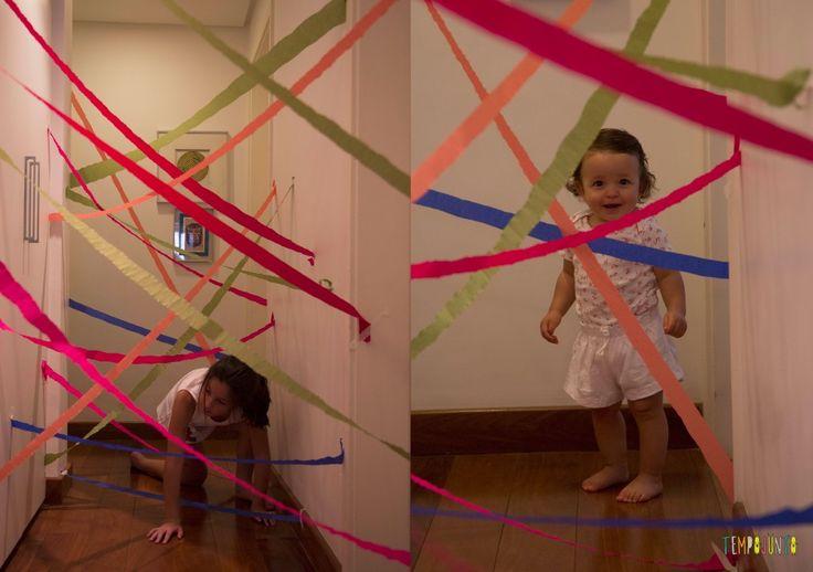 10 brincadeiras fora da rotina para fazer no feriado - Corredor diferente de papel crepom