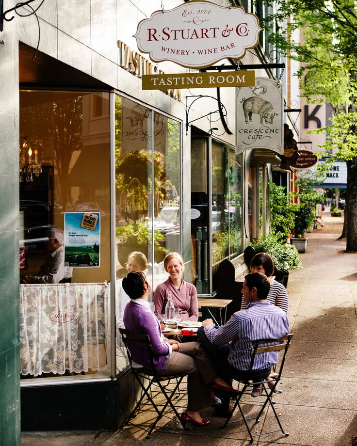 McMinnville, ORCo. Wine Bar on Third Street.</p>