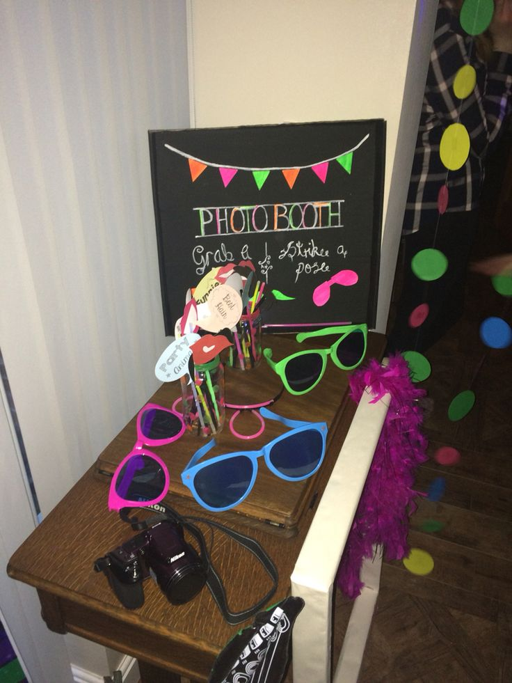 Photo booth ! -neon theme