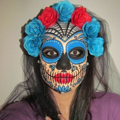 Maschera interamente realizzata e decorata a mano da me, ispirata a La Santa Muerte…  #santamuerte #mask #mascara #maschera #sugarskull #teschiomessicano #teschio #tixianne #giornodeimorti  #mexicanskull #caveiramexicana #caveira #calaveramexicana #diadelosmuertos #diademuertos #santamuerte #dayofdead #jourdemort  #crâne  #handmade #artigianato #handcraft #italianhandmade #fattoamano #realizzatoamano #dipintoamano #glitter #artisan #death #dead #halloween #queentixianne