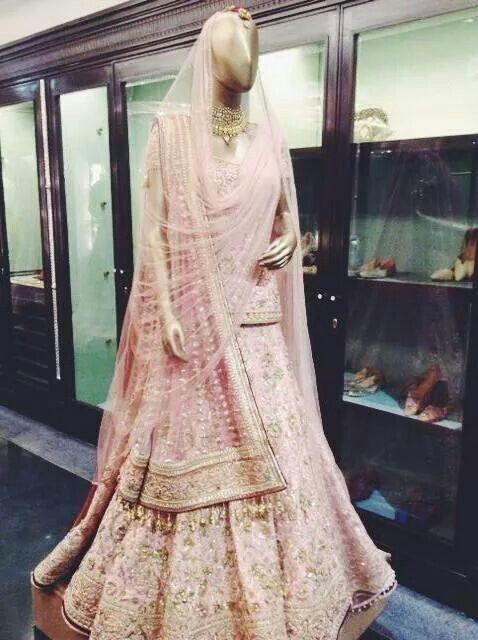 Tarun Tahiliani.. Love the dupatta drape