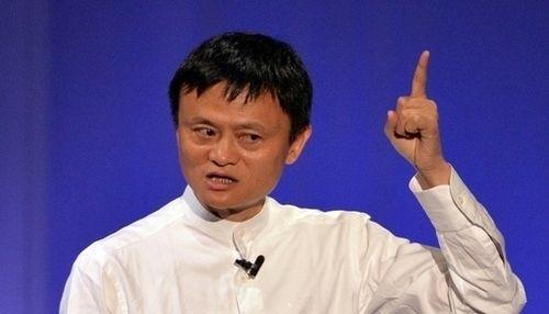 Kijk hoe de stichter van Alibaba zijn mensen vertelt dat ze met 'een 8-tot-5-mentaliteit' nergens zullen raken