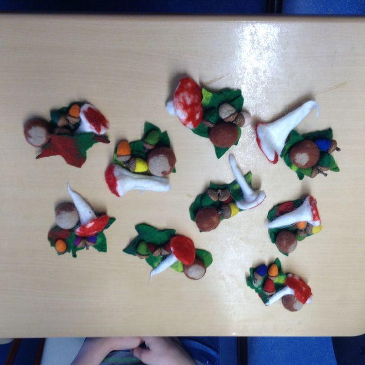 Urselifelts — Felts at school  Autumn with acorns, fly agarics,...