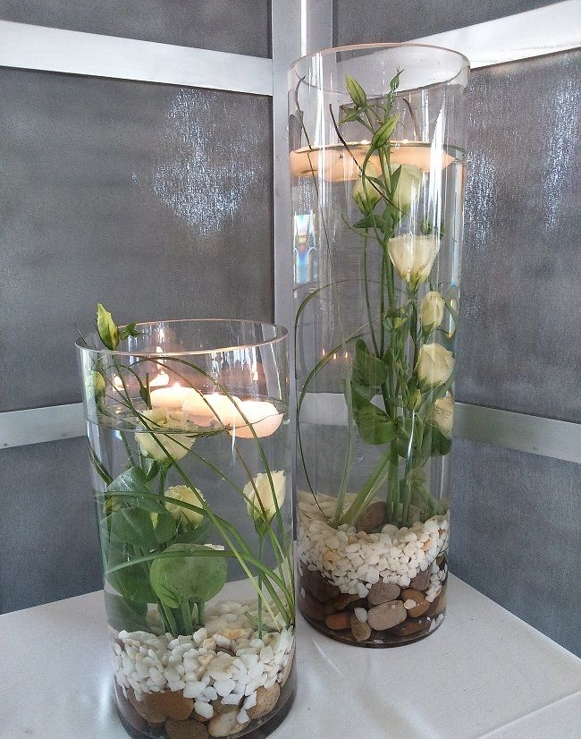 Cinco flores para decorar tu casa en primavera Decoration Table, Table Centerpieces, Compost, Glass Vase, Cactus, Floral Design, Succulents, Projects To Try, Flowers