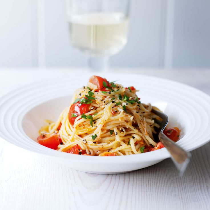 This quick and tasty pasta dish is ready in under 20 minutes. The mix of the mild white crab meat with the brown gives depth and freshness of flavour.