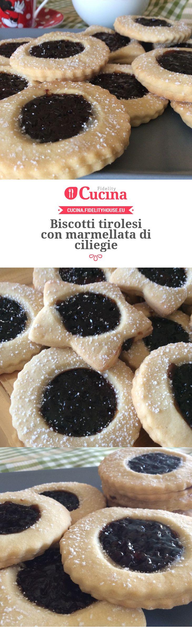 Biscotti tirolesi con marmellata di ciliegie della nostra utente Angela. Unisciti alla nostra Community ed invia le tue ricette!