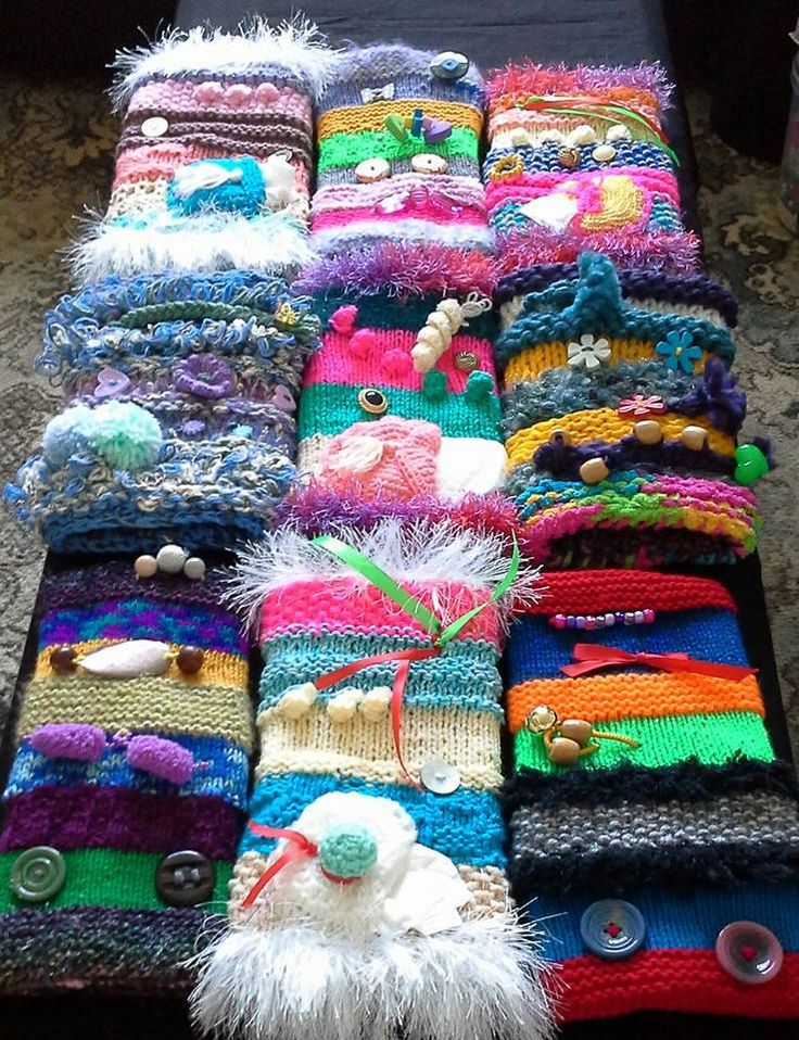Knitting and smiles – crafts for the community