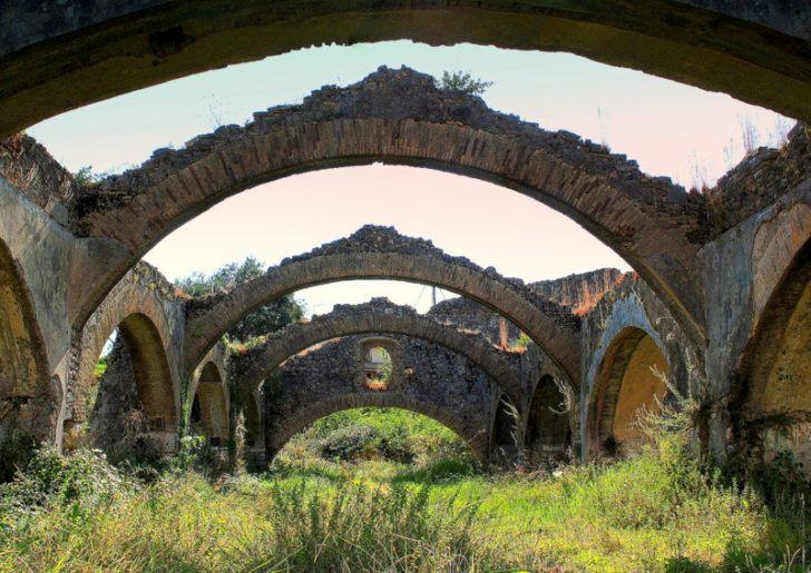 Ruines d'un chantier naval - Gouvia à Corfou