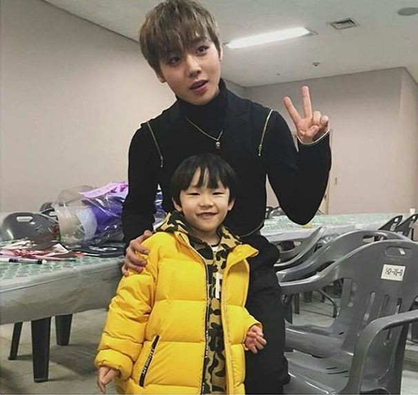 Jihoon with little wanna one