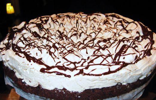 Recept: Kladdkaka med vit choklad och mintmaräng