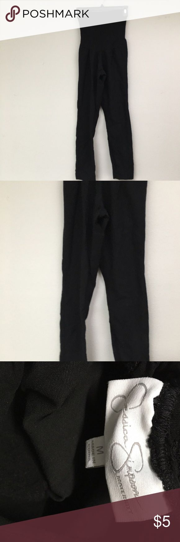 Jessica Simpson Maternity Pants This is a pair of good condition maternity pants from Jessica Simpson they are size medium.  Very stretchy do show few signs of wear but no whole or stains Jessica Simpson Pants Straight Leg