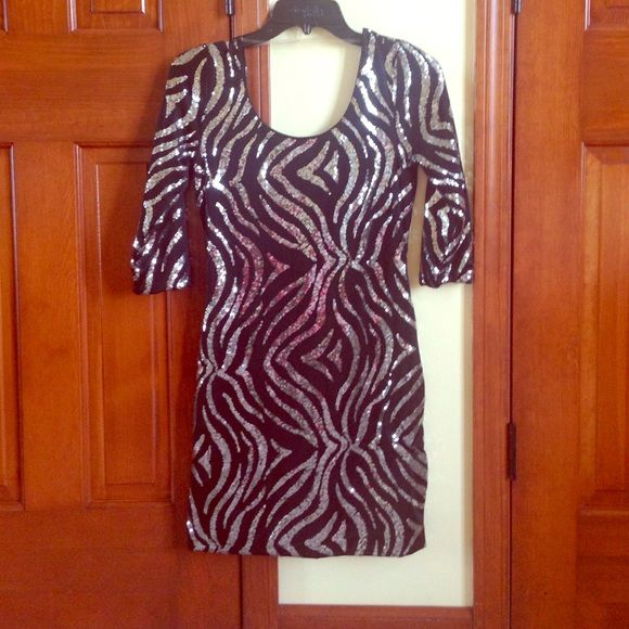 "Silver Sequined Black Dress Silver sequins in a ""zebra like pattern"" a super comfortable but cute black dress (worn once!) great for going out! 🍾🎉🎊 Dresses Mini"