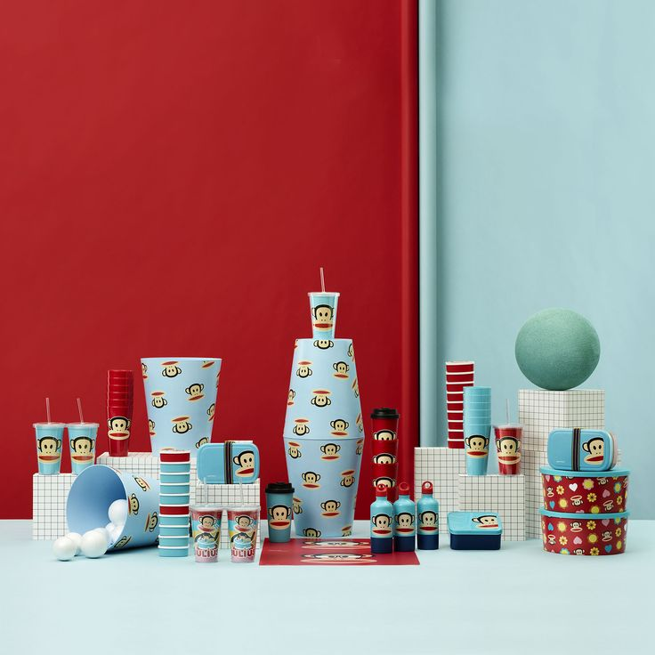 We are very happy with our new Paul Frank 'family portraits'. This is one of them. What do you think? Design by Room Copenhagen