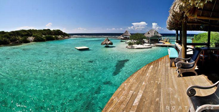 Malý soukromý ostrov u ostrova Roatán, kde si užijete úžasný a pohodový den.