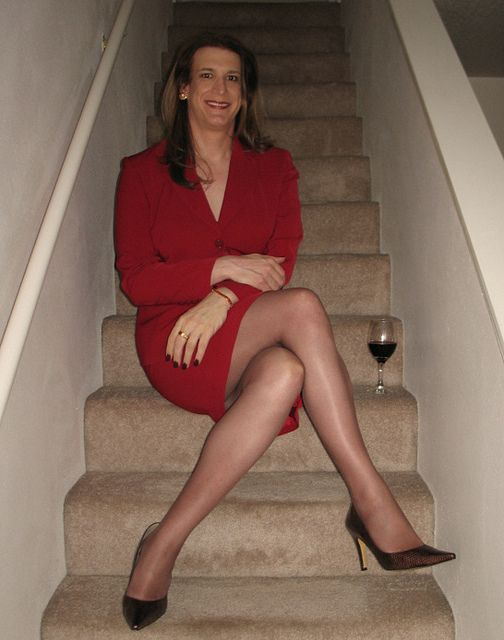 Pin by Lizzie on The Ladies in Red  Suits for women How to wear Red skirts