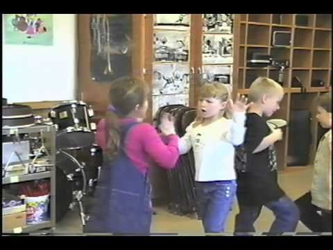 Kids doing Slap Happy body percussion >>> those little guys ,how ADORABLE .... !  ( B-P samples for mixed ages )