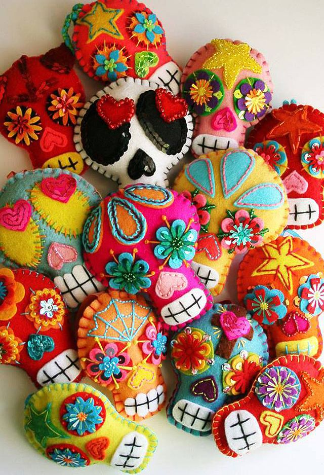 Día de los Muertos...  as sachets with fragrant stuffing to keep closets and drawers smelling beautiful. YES!