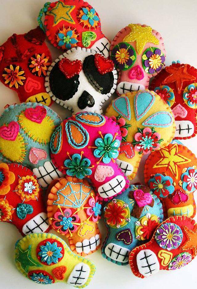 Fiesta de día de muertos. sugar skull pin cushions