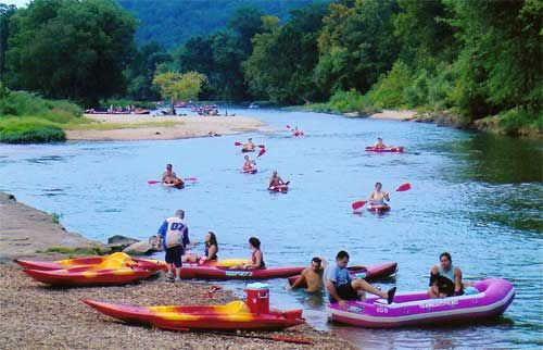 Oklahoma  Illinois River    Tahlequah Ok    Float Trips Canoe,  Rafts,  Camping
