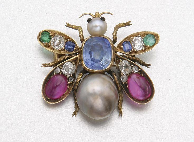GOLD, PEARL, SAPPHIRE, RUBY, DIAMOND AND EMERALD BEE BROOCH, CIRCA 1900