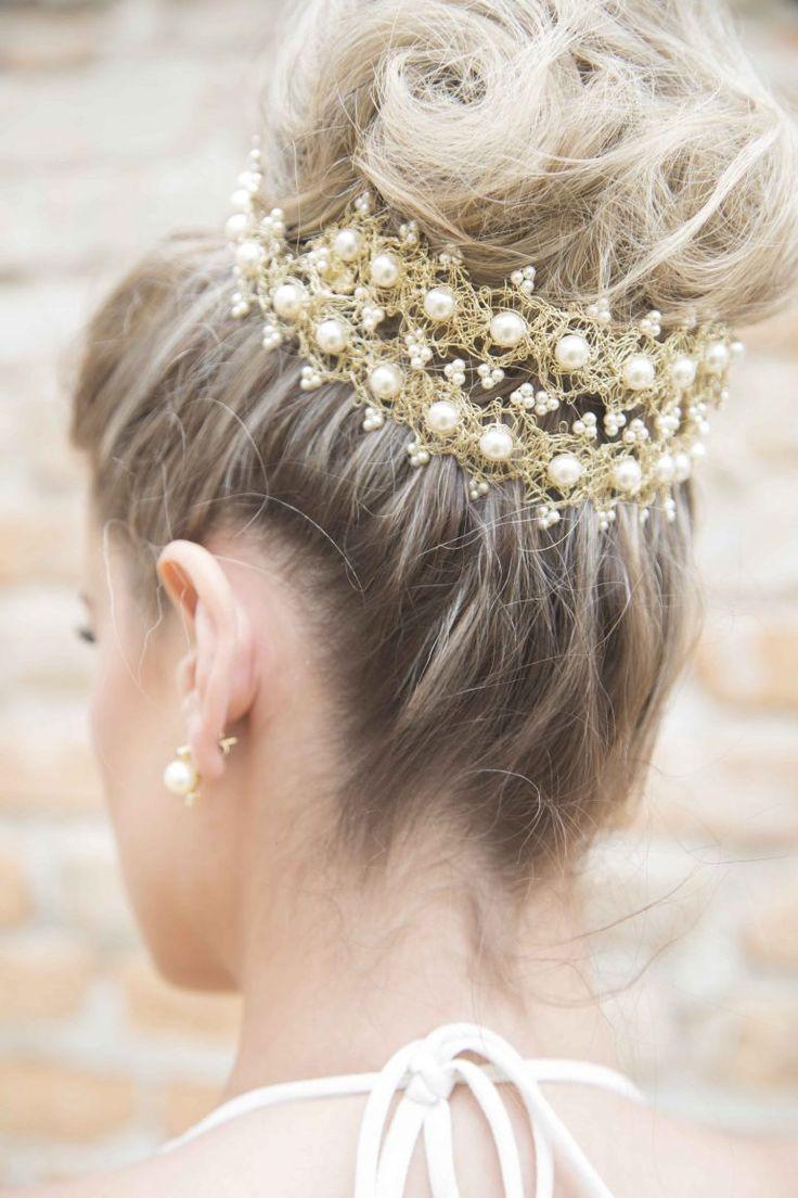Tendência: Grinalda Dourada para noivas! A moda agora é apostar no dourado para realçar o Penteado da Noiva!