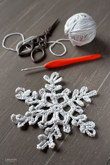 Crocheted Snowflake.  English directions at the bottom