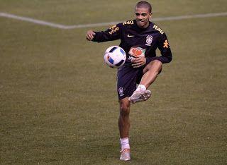 Blog Esportivo do Suíço: Douglas Costa é cortado, e Tite convoca Taison para seleção brasileira