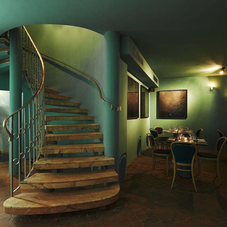 Im orientalisch-vegetarischen Kismet Restaurant und der Kasbah Bar in Münchens Innenstadt müssen Sie den Marrakesch Mule und das leckere essen probieren!