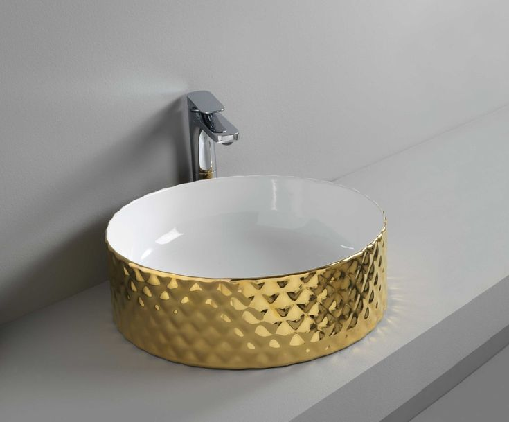 ROMBO designed by Meneghello Paolelli Associati #gold #washbasin #bathroom #oro #bagno