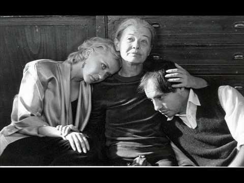 http://www.kisfogyasztok.hu/ Tökre nem örökre Mindennek megismered értelmét, minden olyan félelmesen és unalmasan ismétlődik, ez is öregség, mikor már tudod,...