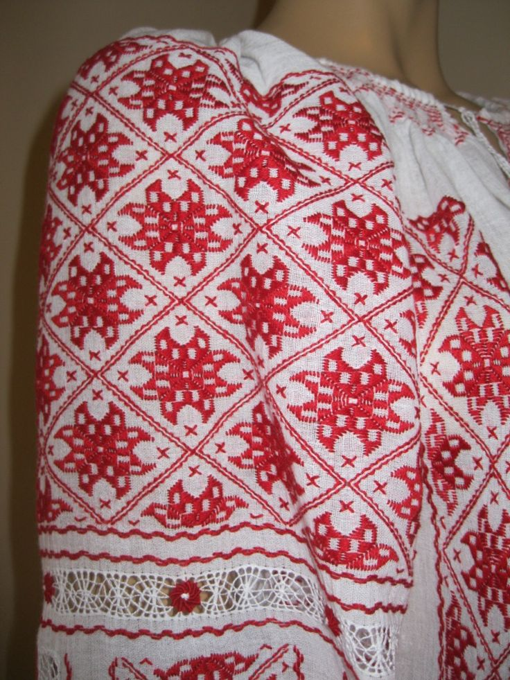 Van Helsing, Anna Valerious peasant blouse - Hand embroidered Romanian peasant blouse - size M/L