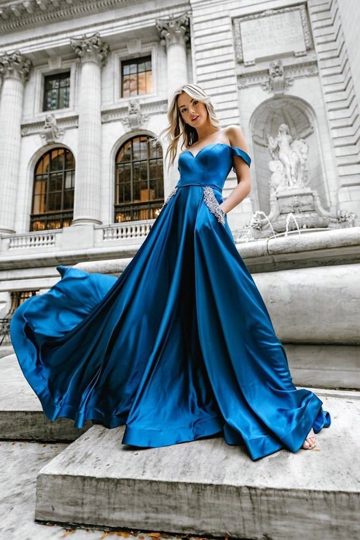 The 34 Best Prom Dresses Of 2020 Are So Stunning High School Can T Handle It Photoshoot Dress Prom Photography Poses Prom Photoshoot [ 1092 x 728 Pixel ]