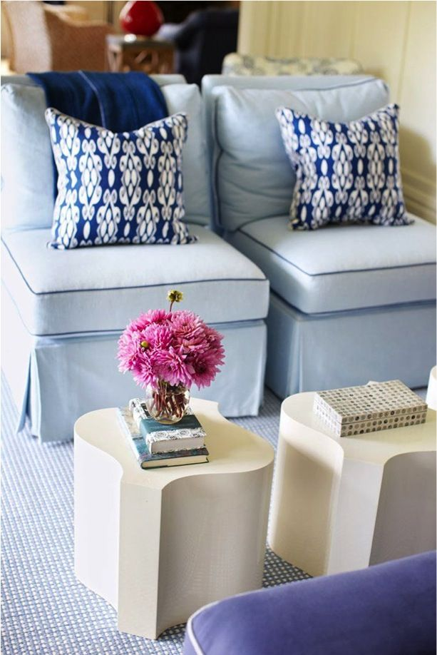 slipper chairs Blue + white.