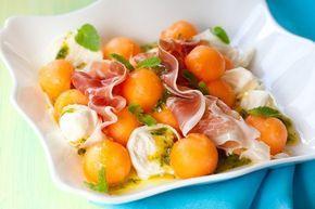 Салат с дыней, прошутто, козьим сыром и кедровыми орешками рецепт – салаты. «Афиша-Еда»