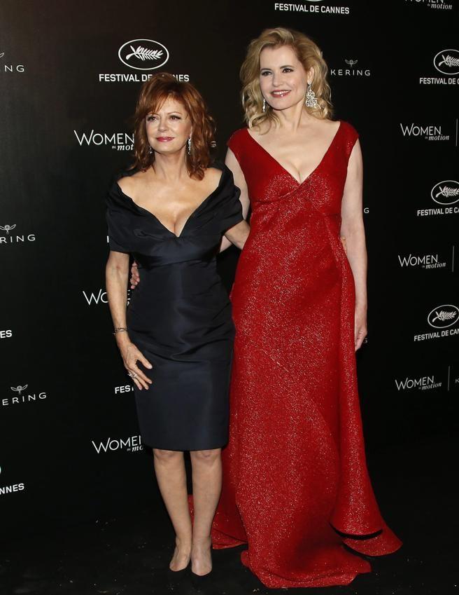 Susan Sarandon y Geena Davis, durante un acto paralelo al festival de Cannes. EFE/EPA/GUILLAUME HORCAJUELO