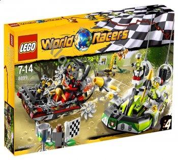 Lego World Racers Gator - pełne emocji wyścigi na bagnach! Zaproś kolegów i urządźcie sobie zawody, ale uważajcie! Te bagna zamieszkuje wyjątkowo groźy krokodyl, który nie lubi kiedy na jego terenie organizuje się wyścigi. Zajmij pierwsze miejsce i nie daj się niebezpieczeństwu!